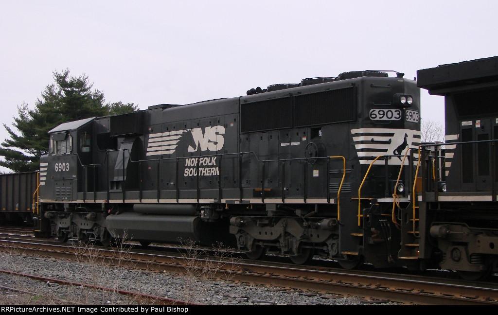 NS 6903 rear