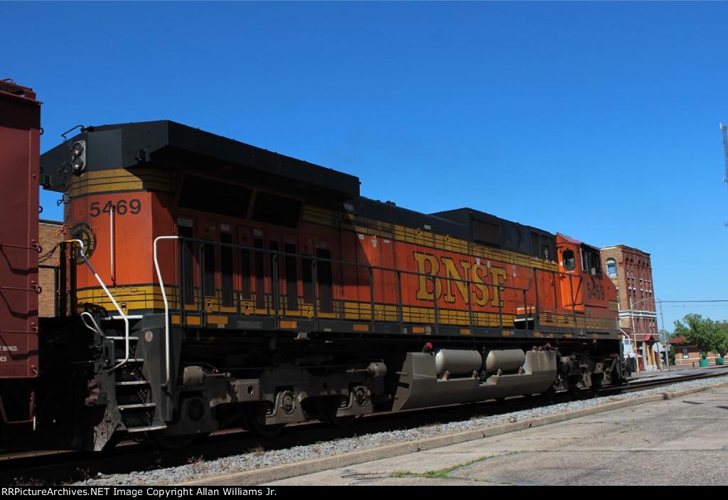BNSF 5469