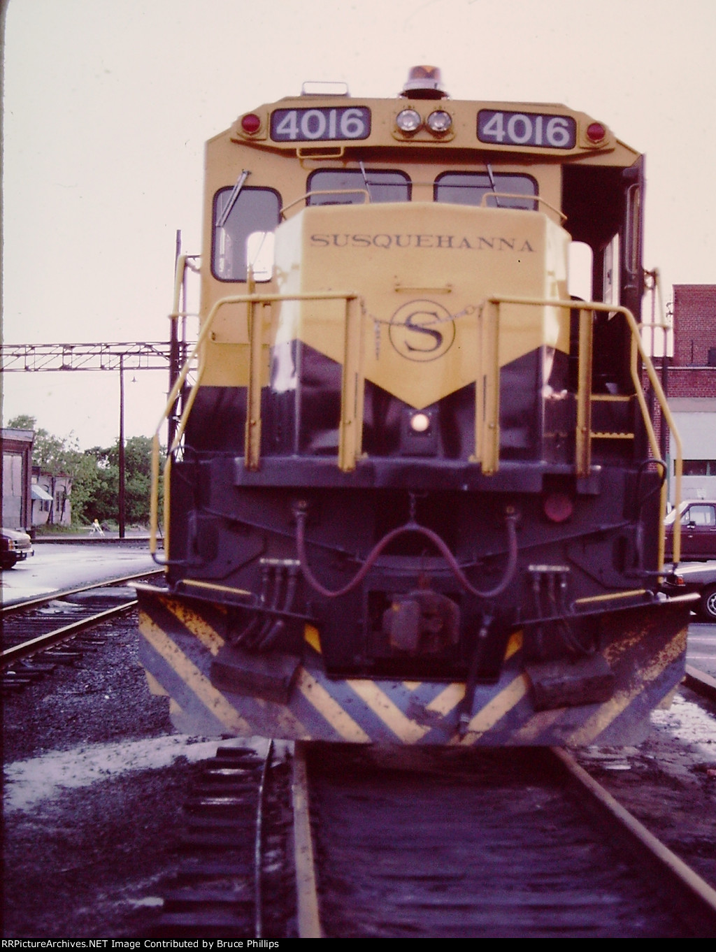 NYSW 4016 (B40-8) at Sou/NS Alexandria Yard Engine House