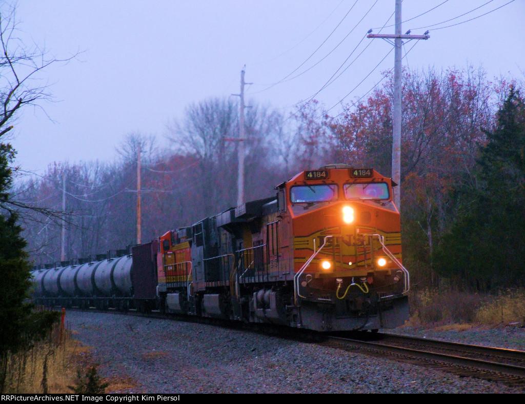 BNSF 4184 CSX 5287 BNSF 4848 CSX Train K042 Crude Oil Loads