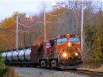BNSF 1001 CP 9557 CSX Train K040 Crude Oil Loads