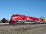 INRD 9009 leads the pair of Hoosier Big Macs on CP train 281