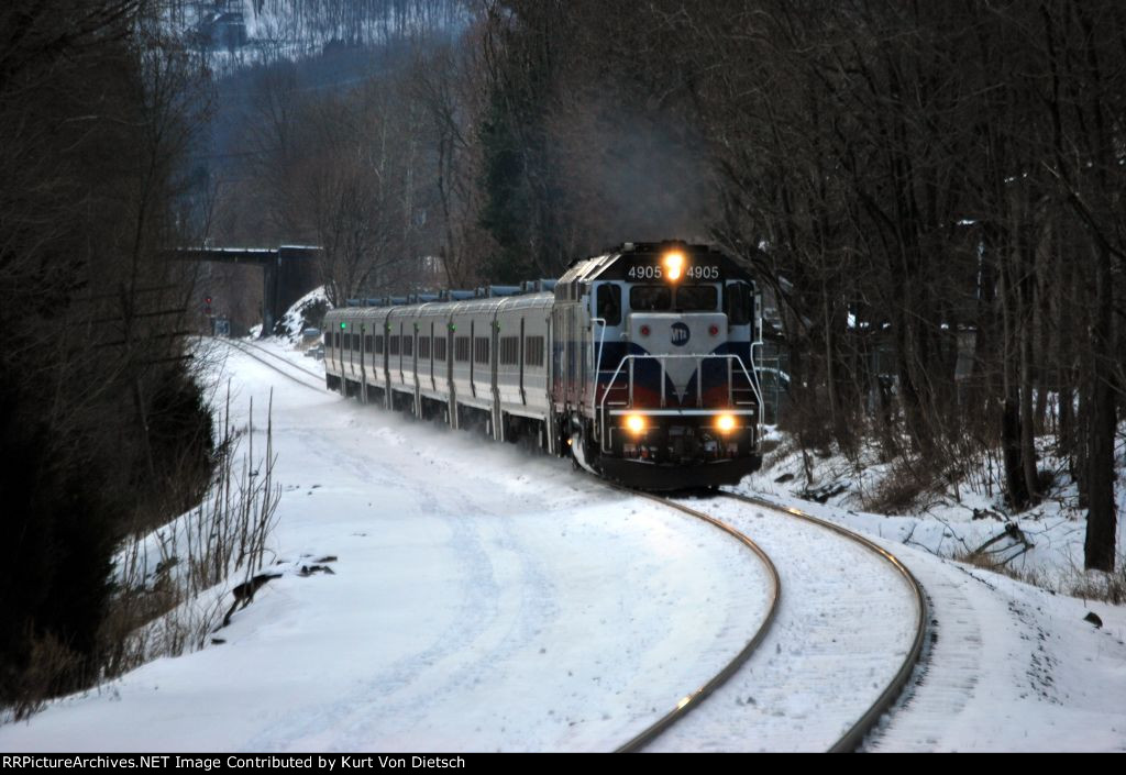 Metro North west of Hudson service