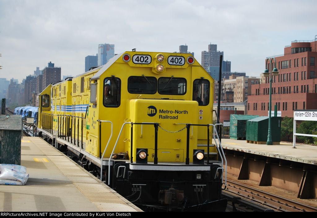 Metro North 402 and 401