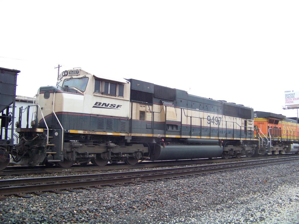 BNSF SD70MAC 9497