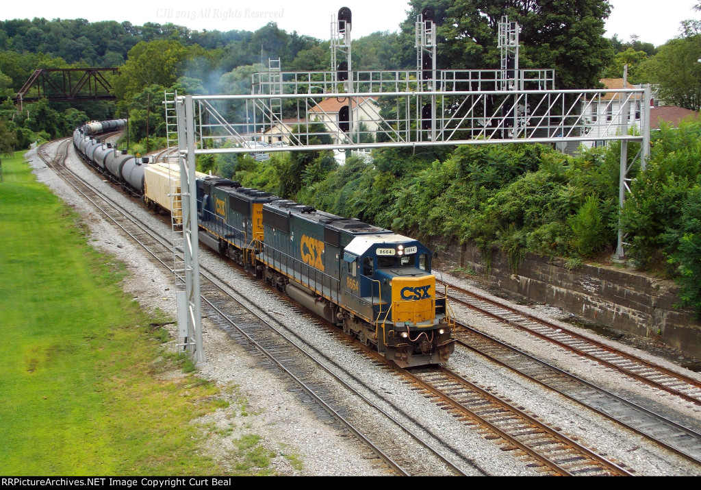 CSX 8664 and 4558
