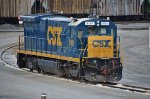 CSX 9151 looks really nice in clean clothes.