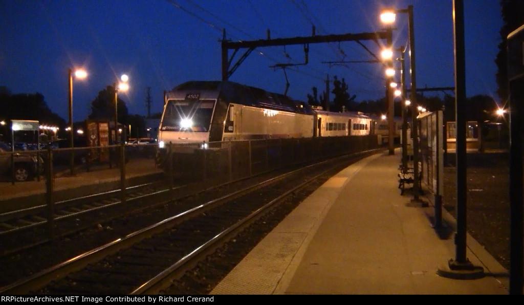 Train 649 Pulling In