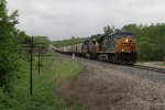 CSX 5475 & 556 climb the hill out of the sag with grain empties as G819-18