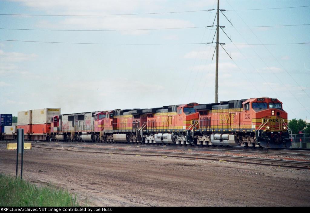 BNSF 5242 West