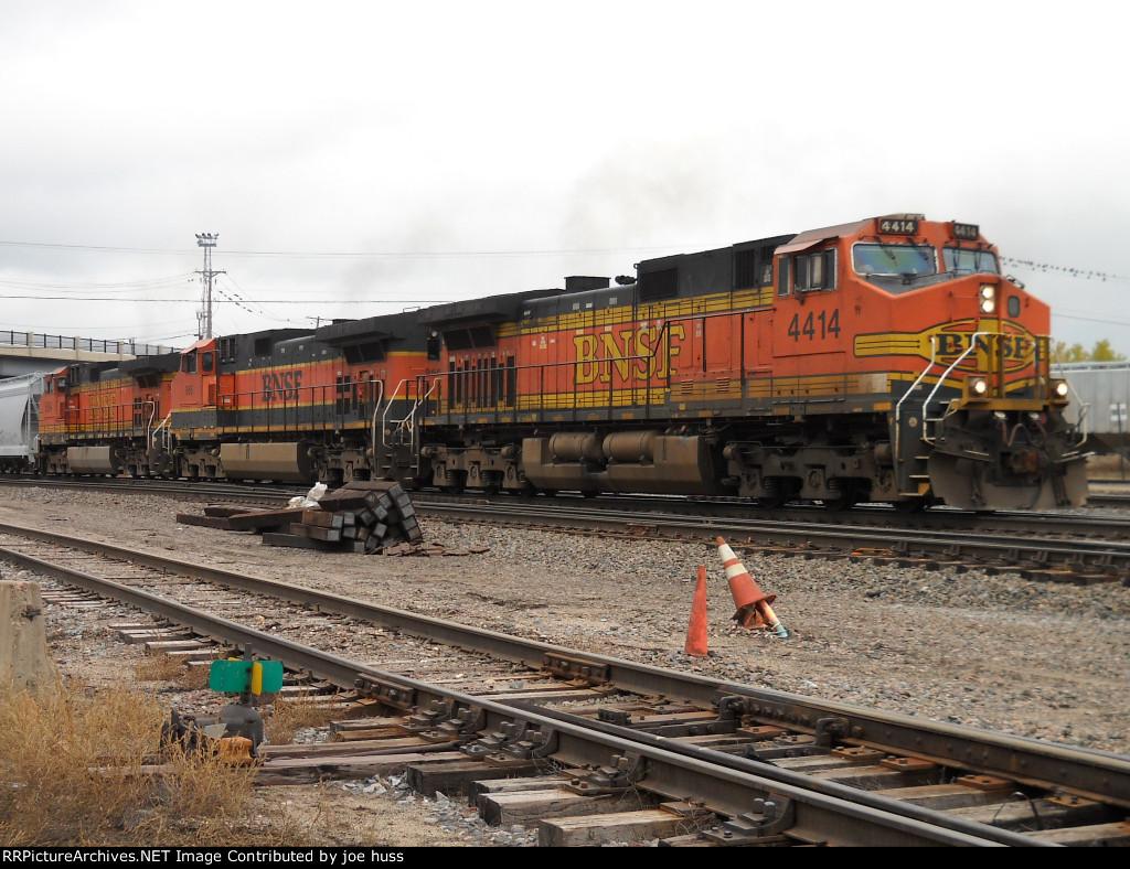 BNSF 4414 West