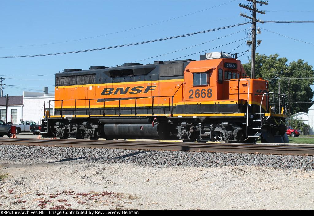 BNSF 2668 (1)