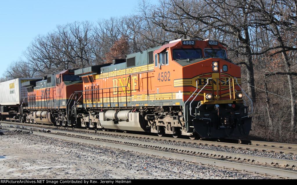 BNSF 4582 & 1079 (1)