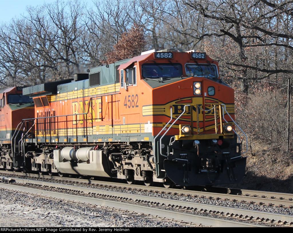 BNSF 4582 (1)