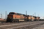 BNSF 6963 & others (2)