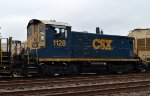 CSX SW1001 1128 third out on Q418-01