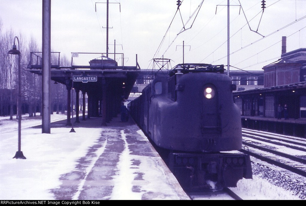 Westbound GG1 at Lancaster in the snow