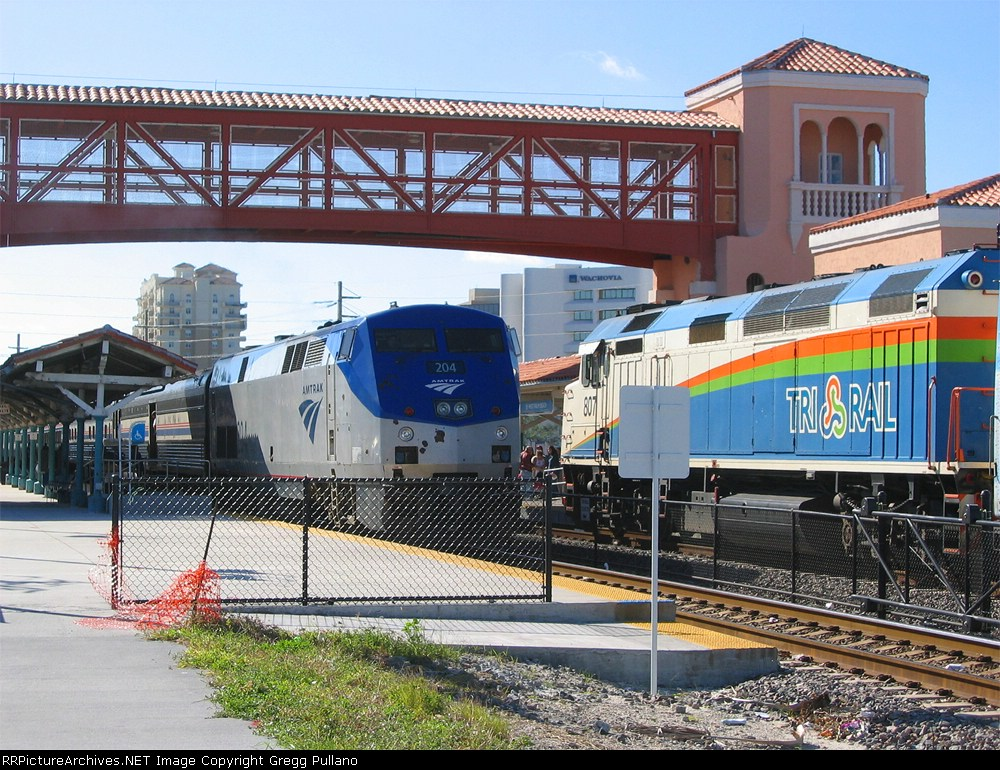 RailPictures.Net Photo: TCCX 807 Tri-Rail MK F40PH-2C at West Palm ...