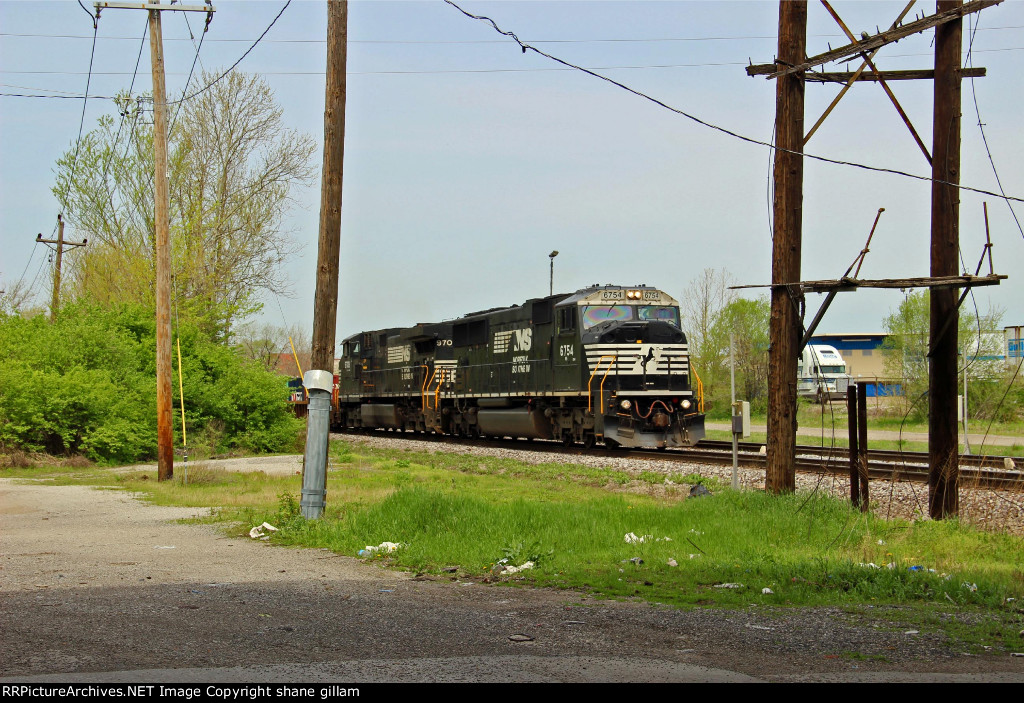 NS 6754 leads ns 223 EB.