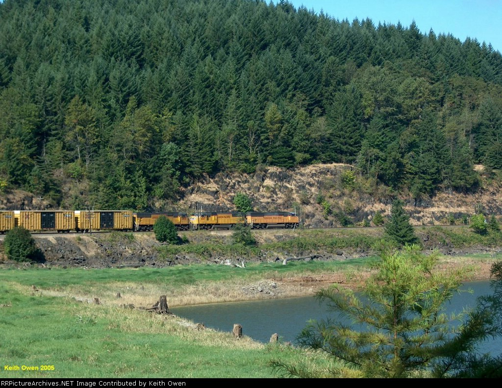 Northbound Manifest at Hamton, OR.