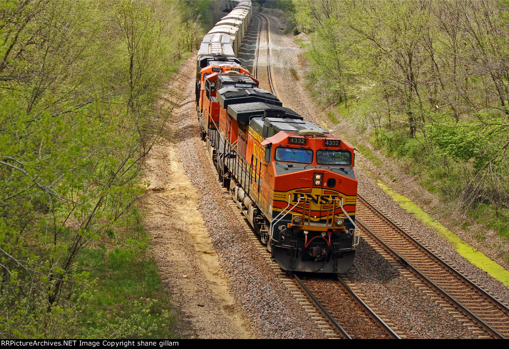 BNSF 4332 Slows for a Form B.