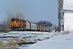 BNSF 4920 Heads up hill with a a freight.