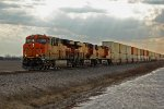 BNSF 7065 Leads the Q STOCHI6.