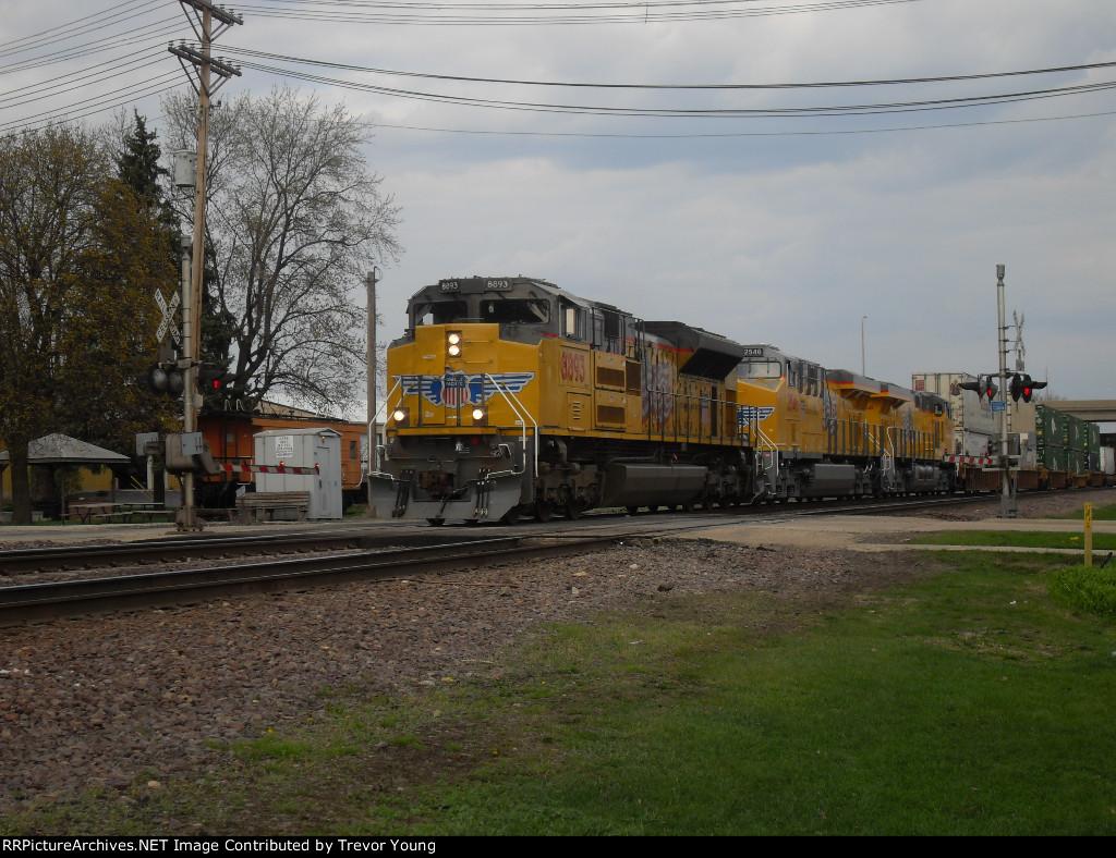 UP 8893 SD70AH, 2546 ES44AC, 2545 ES44AC, UP 8424 DPU W, Rochelle, IL