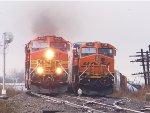 BNSF C44-9W 4962 & BNSF ES44DC 7525