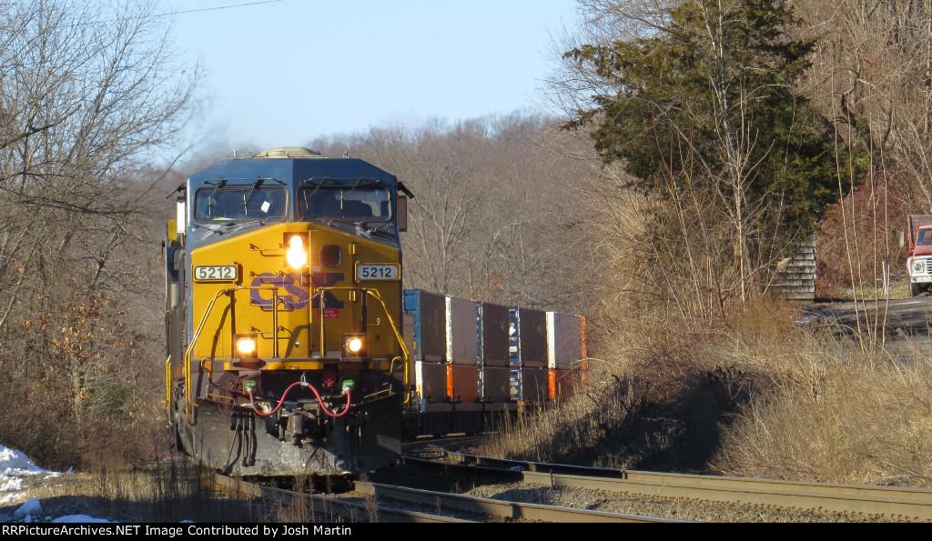 CSXT Q022 In Springfield MA