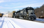 Ice-packed SD70 on NS 212