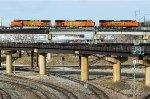eb BNSF stacks