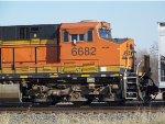 BNSF ES44C4 6682