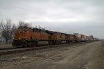 BNSF 7404 east
