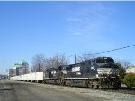 NS 8924 On NS 251 Eastbound