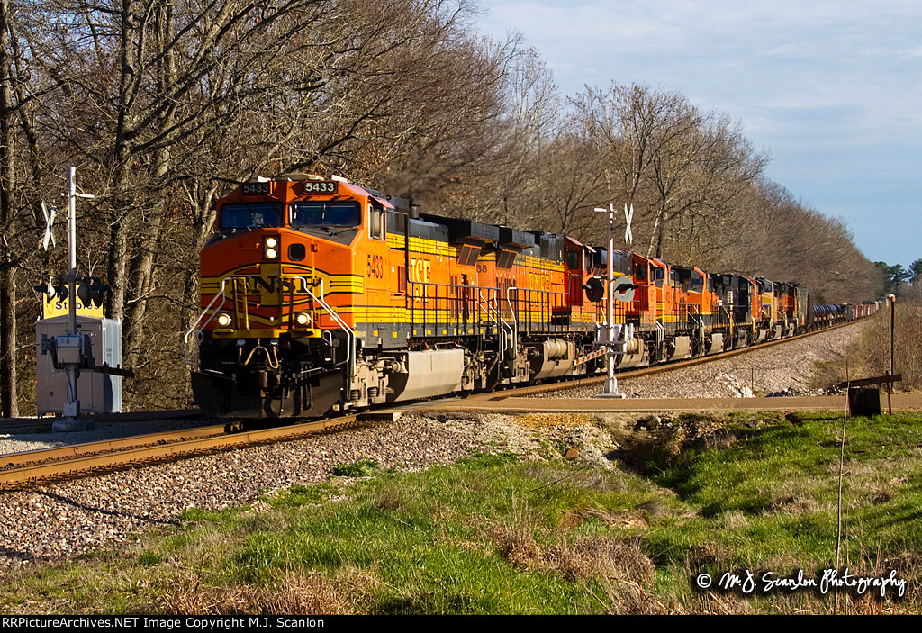 BNSF 5433 @ Red Banks Road