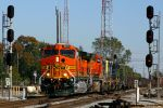 BNSF 5511 splits the signals