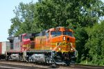 BNSF #4006 east of Arnold St.