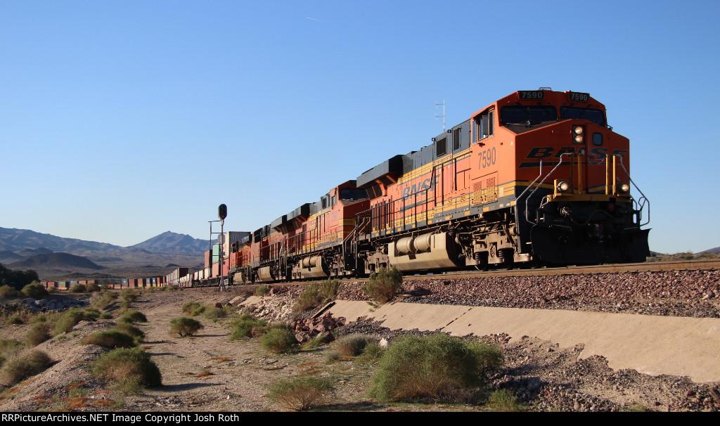 BNSF 7590, BNSF 7690, BNSF 6729 & BNSF 7439