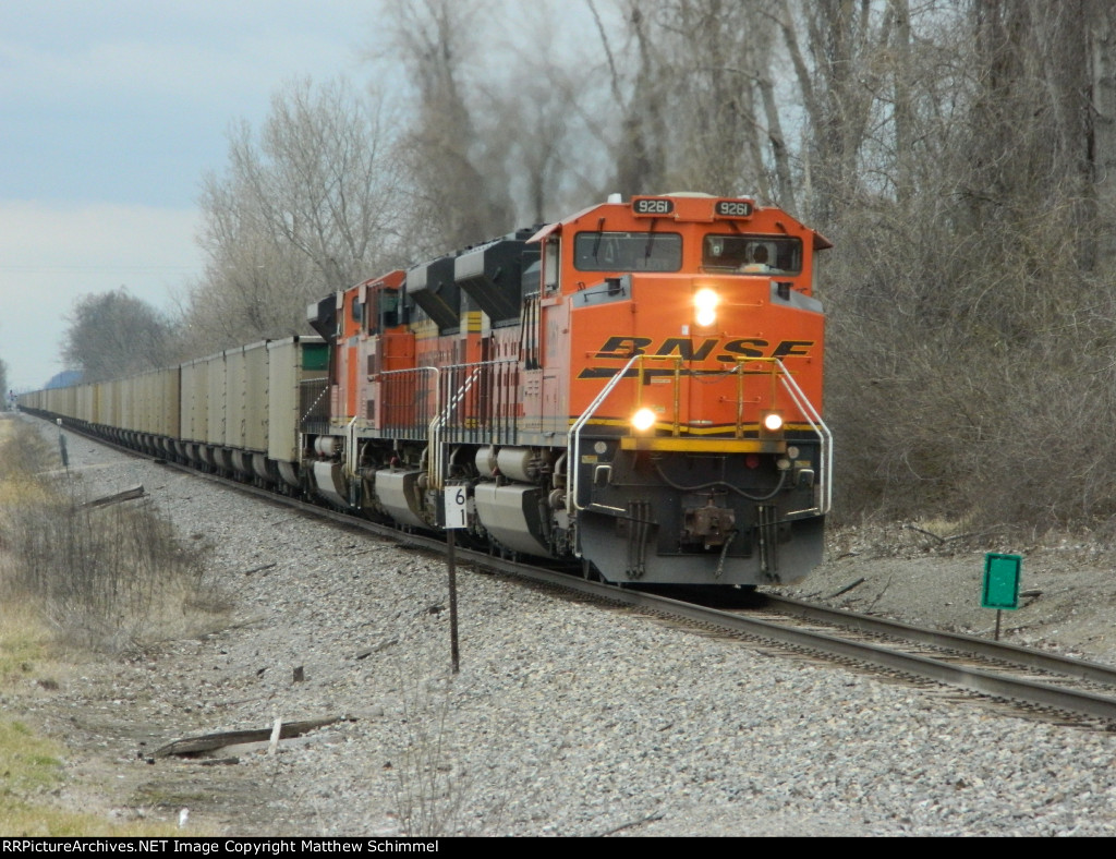 BNSF 9261 Passing Mile Marker 61 On The K-Line