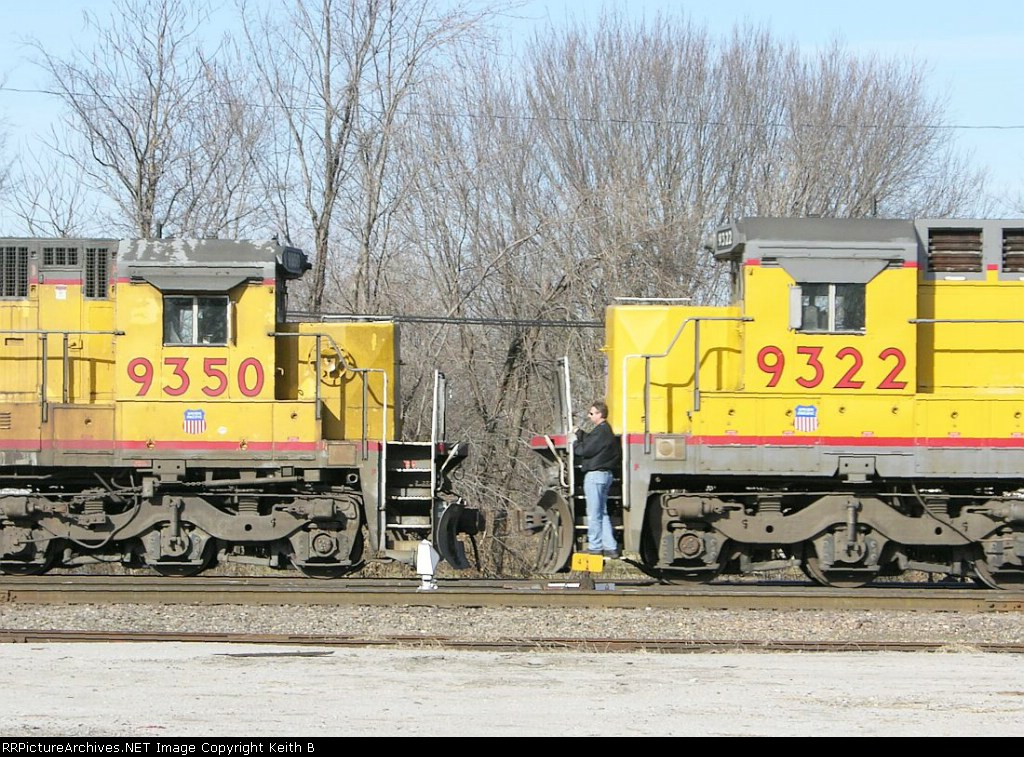 UP 9322 and 9350