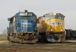 UP 3885 and  NS 5431