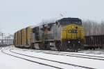 CSX 9006 & 816 start down 4 Track with Q326-27