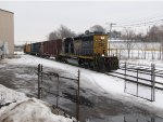 CSX 4044 rolls west toward Wyoming with D707-14