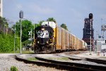 NS 7058 on NS Job 60 with 285's train