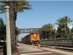 BNSF 5051 leads through Fullerton