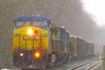 CSX Q621 roars west