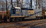 CSX Road Slug 2372 trails on Q439-22