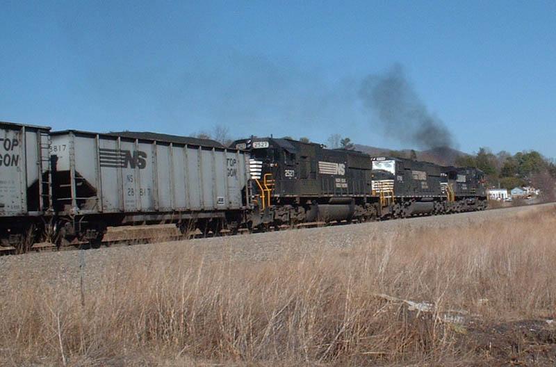 NS train leaves Grovestone siding