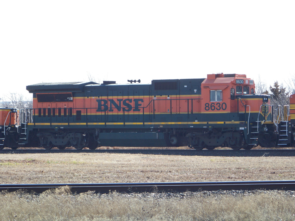 BNSF B40-8 8630